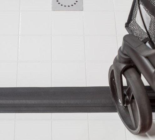 waterkeringsprofiel-rollator-bestellen-badkamer