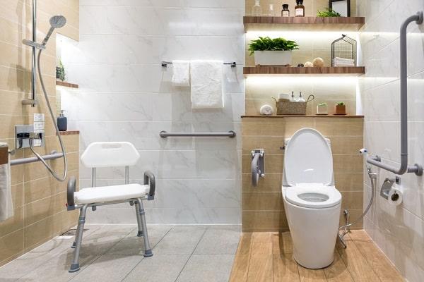 douchestoelen-krukken-kopen-badkamer